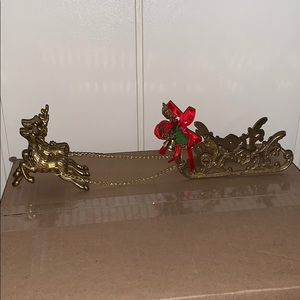 Vtg brass Christmas sleigh pulled by 2 reindeer